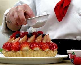 甘さとフルーツの酸味、このバランスは大切。リリピュットのタルトとクリームに適した果物を吟味して使っています。